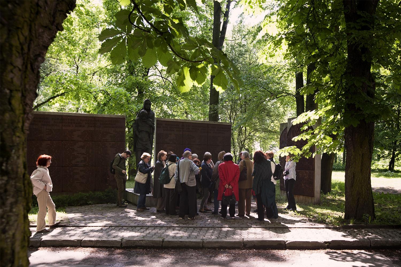"""Spacer literacki SAGI szlakiem """"Kultowych miejsce inspiracji artystycznych"""". Fot. Piotr Żebrowski"""